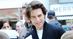tom cruise meets school children