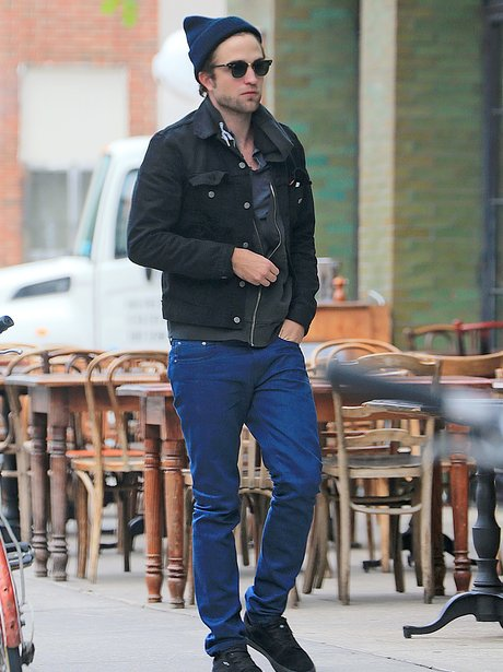 Robert Pattinson in Ney York wearing a beanie