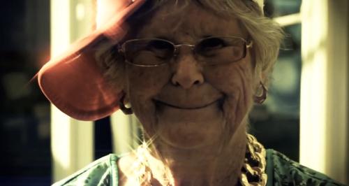 Granny sing Jason Derulo Talk Dirty