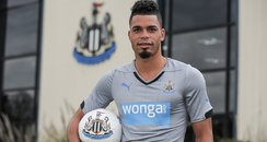Emmanuel Riviere signs for NUFC