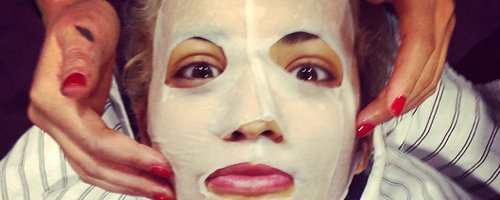 Rita Ora with face mask on instagram