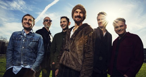 James - Band